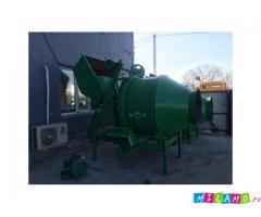 Продается бетоносмеситель JZC350