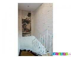Продаю 2-х этажный дом, 180 кв.м. на 6 сотках.