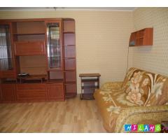 Однокомнатная квартира в одноэтажном доме Сталинской постройки.